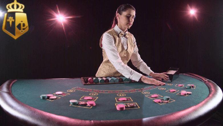 Dealer là gì? Các thao tác của dealer tại casino
